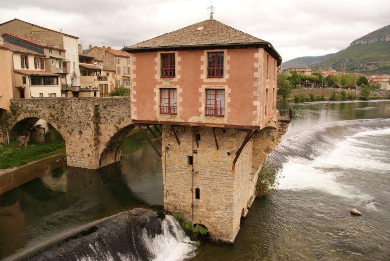 De weggeslagen brug bij Millau
