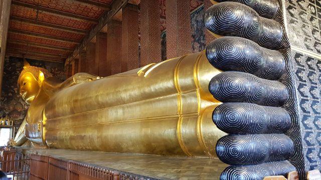 Reclining Buddha Wat Pra Chetuphon
