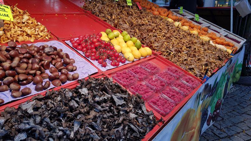 Hötorget torghandel - utomhusmarknad